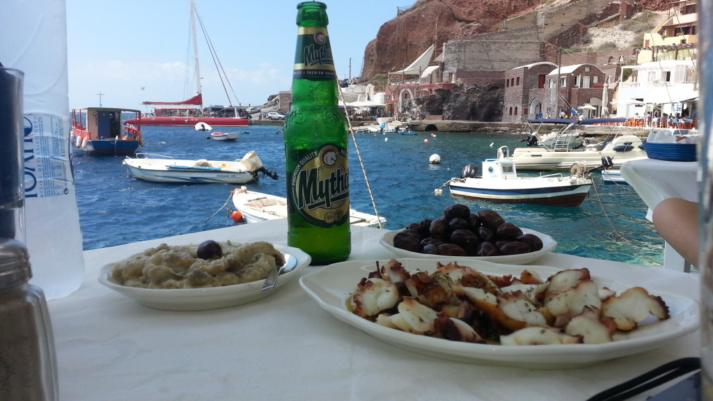 Lunch@Ammoudi bay