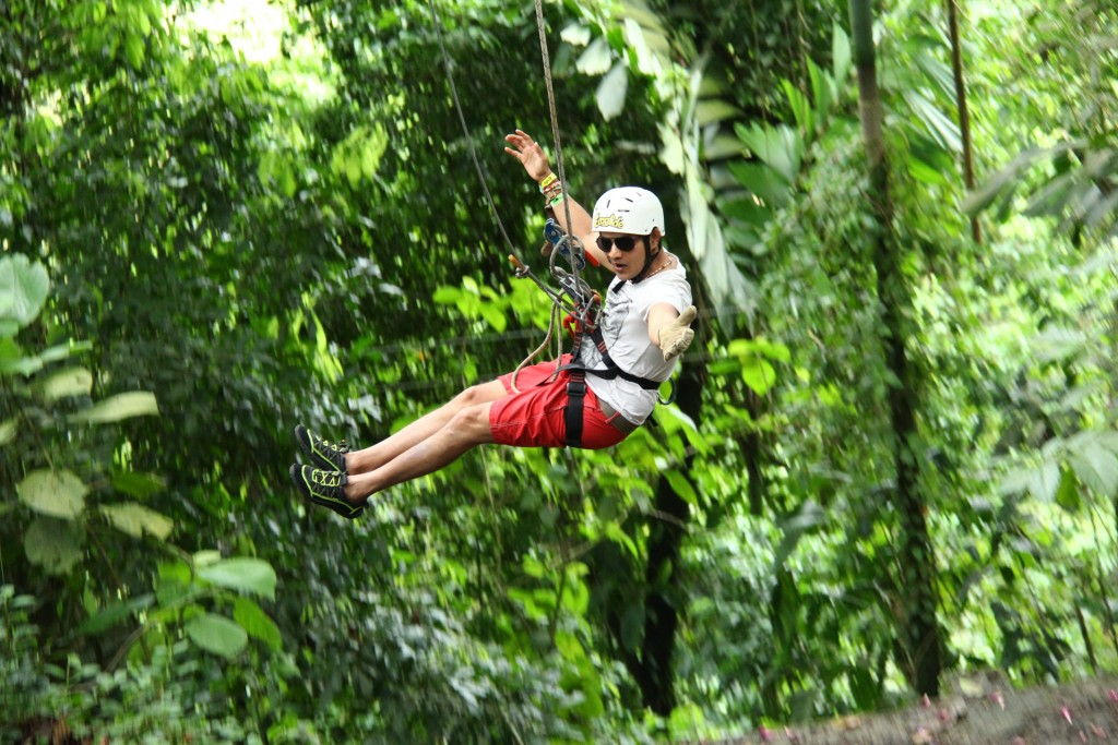 canyoning, water rappelling costa rica adventure